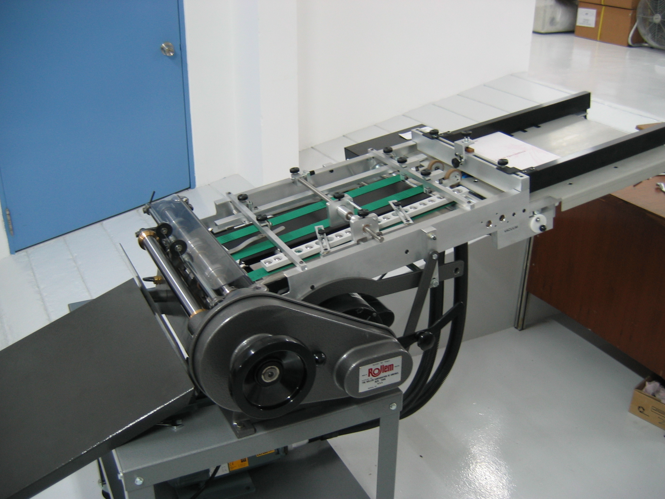 """Rollem Champion 990 18"""" with Turbo Feeder"""